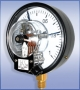 ДМ Сг 05 Манометр сигнализирующий с электроконтактной приставкой